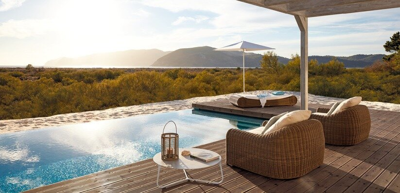 Manutti - Benches, Chairs, Tables, Sidetables, Sofas, Decoration, Accessory, Screens & Umbrella, Loungers