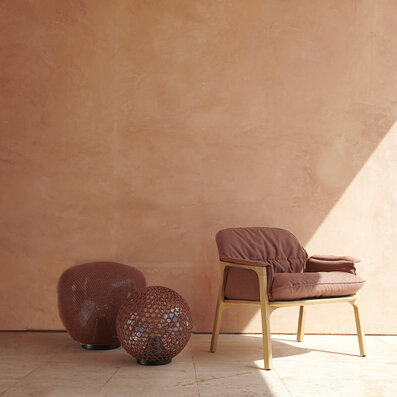Tribu Nomad easy chair met Monsieur Tricot in brick